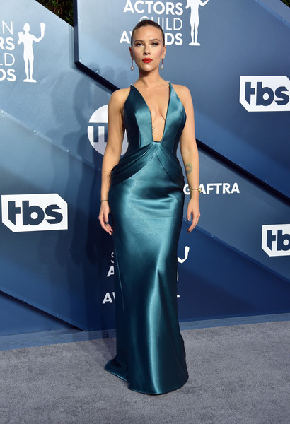 Scarlett Johansson was a stunner in a plunging teal gown by Armani Prive at the 2020 SAG Awards.