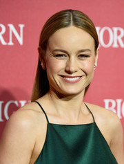 Brie Larson sported a slicked-down, center-parted hairstyle at the Palm Springs International Film Fest Awards Gala.