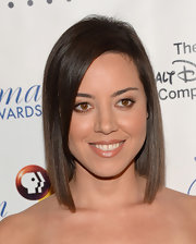 Aubrey opted for a sleek and streamlined flat-ironed 'do for her red carpet style.