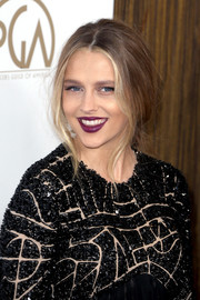 Teresa Palmer attended the Producers Guild Awards wearing her hair in a very loose braid.