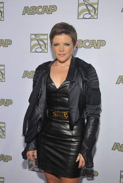 More Pics of Natalie Maines Pixie (1 of 6) - Pixie Lookbook - StyleBistro