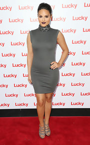 Pia Toscano chose a totally figure-flattering dress with a high, beaded collar for her look on the red carpet.