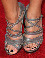 Pia Toscano showed off her black pedi with these silver strappy sandals.
