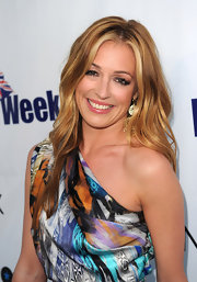 Cat Deeley kept her mane on the casual side while hitting The Year of Fashion Awards in West Hollywood.