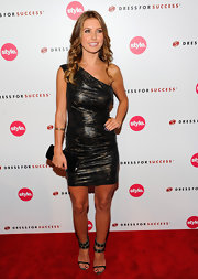 Audrina paired her one-shoulder Balmain dress with a simple black clutch.