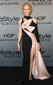 Nicole Kidman looked like a walking work of art in this sculptural black and pale-pink cutout gown by Atelier Versace at the InStyle Awards.