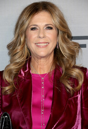Rita Wilson got glammed up with this long curly 'do for the InStyle Awards.
