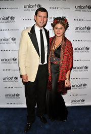 Jenna Bush looked sensational in a shawl-collar kimono sleeve ethnic print cardigan at the UNICEF Masquerade Ball.