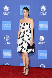 Linda Cardellini was girly and stylish in a strapless butterfly-motif dress by Monique Lhuillier at the 2019 Palm Springs International Film Festival Awards Gala.