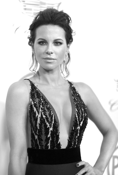 More Pics of Kate Beckinsale Messy Updo (1 of 10) - Updos Lookbook - StyleBistro [image,hair,fashion model,black,clothing,beauty,photo shoot,model,lady,black-and-white,hairstyle,arrivals,kate beckinsale,editors note,beverly hills,california,the beverly hilton hotel,annual producers guild awards]
