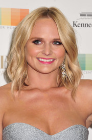 Miranda Lambert styled her hair with piecey waves for the Kennedy Center Honors Gala.