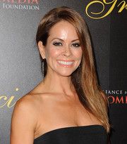 Brooke Burke-Charvet went for no-frills styling with this straight side-parted 'do at the Gracie Awards.