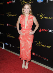 Erika Christensen made a very stylish choice with this embroidered coral cocktail dress featuring a cleavage-revealing panel when she attended the Gracie Awards.