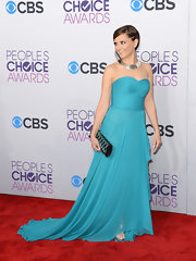 Rachael Leigh Cook looked like an aqua dream in this draped chiffon gown.