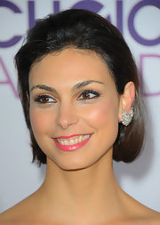 Morena slicked back her short strands for a more sophisticated look at the 2013 People's Choice Awards.
