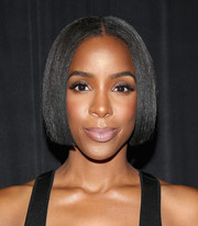 Kelly Rowland attended the 3rd Annual Beautycon Festival wearing a super-neat center-parted bob.