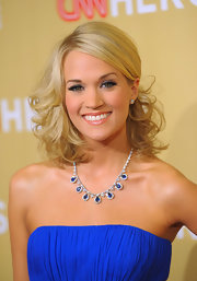 Carrie topped off her look with fun and flirty lashes.