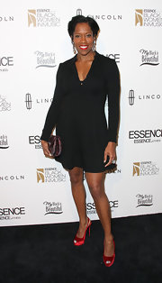Regina King chose a subdued yet stylish long-sleeve LBD for the Black Women in Music event.