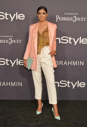 Rachel Roy's mint-green accessories worked nicely with her pink blazer!
