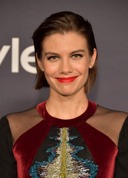 Lauren Cohan opted for a simple short hairstyle when she attended the 2017 InStyle Awards.
