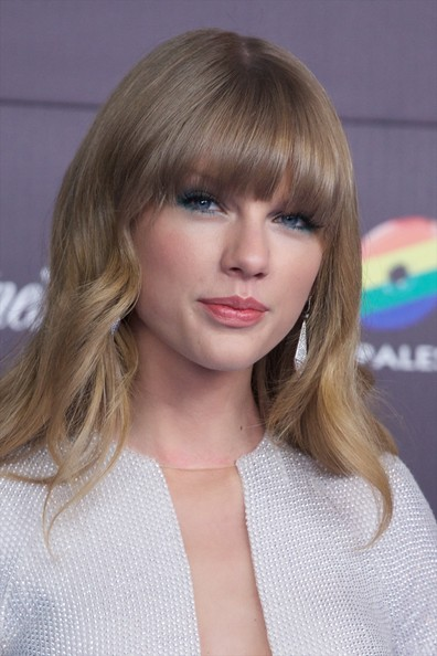 More Pics of Taylor Swift Long Curls with Bangs (2 of 16) - Long Curls with Bangs Lookbook - StyleBistro