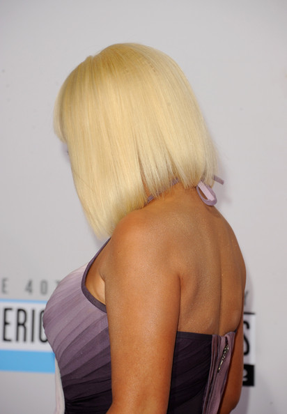 More Pics of Christina Aguilera Mid-Length Bob (2 of 22) - Christina Aguilera Lookbook - StyleBistro