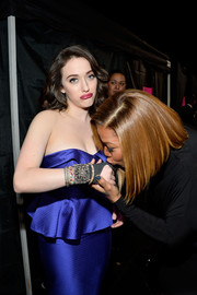 Kat Dennings adorned her injured hand with a glittery Amrapali cuff along with some bangles for the People's Choice Awards.