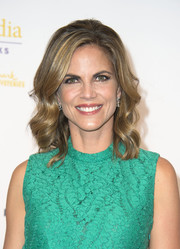 Natalie Morales looked sweet with her flawlessly styled waves at the Gracie Awards.