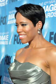 Regina King paired diamond drop earrings with her shimmery dress for a totally glam finish at the NAACP Image Awards.