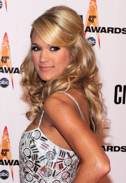 Carrie+Underwood in The 43rd Annual CMA Awards - Arrivals