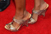 Vanessa Williams chose a pair of snakeskin wedges for a red carpet appearance.