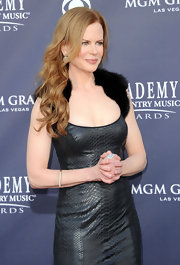 Nicole Kidman graced the red carpet at the Academy of Country Music Awards in a 19th Century diamond arm bracelet.