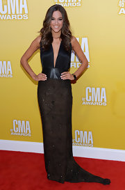 Check out the subtle Art Deco detailing of Jana Kramer's black Anthony Franco gown! Simple yet intricate. This deep-plunging number was just the right amount of sexy.