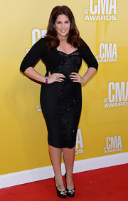 Hillary Scott of Lady Antebellum dressed her fab curves in a beaded black dress. We love the hint of auburn highlights in her hair, don't you?