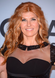 Connie Britton sported a goddess-worthy long curly 'do at the CMA Awards.