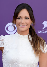 Kacey Musgraves made a classic ponytail red carpet-appropriate by teasing just a bit at the crown.