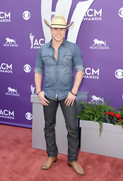 It really only seems fitting for Dustin Lynch to wear a denim shirt to the ACMs, right?