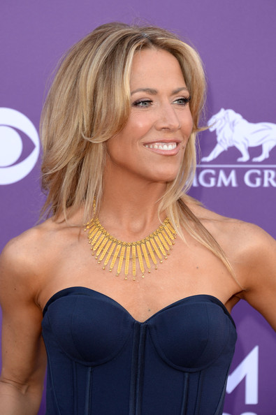More Pics of Sheryl Crow Gold Statement Necklace (1 of 11) - Gold Statement Necklace Lookbook - StyleBistro