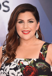 Hillary Scott looked sweet and glam wearing this half-pinned wavy 'do at the CMA Awards.