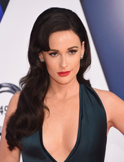 Kacey Musgraves's red lipstick made a nice contrast to her teal dress.