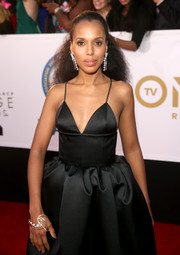 Kerry Washington flaunted a gorgeous pearl bracelet by Atelier Tasaki x Prabal Gurung at the 2018 NAACP Image Awards.