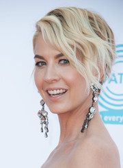 Jenna Elfman looked summer-chic with her short piecey waves at the Celebration of Dance Gala.