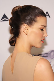 Hanneli rocked a segmented bun at the amfAR Inspiration Gala New York.