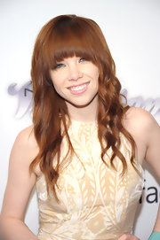 Carly Rae's newly dyed red locks looked soft and shiny at the amfAR Inspiration Gala New York.