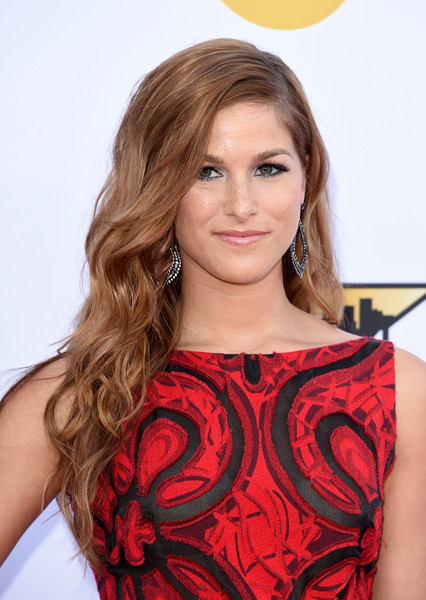 Cassadee Pope made a pretty picture with her long wavy hairstyle at the Academy of Country Music Awards.