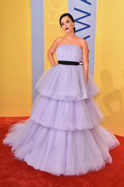 Kacey Musgraves floated into the CMA Awards in a cloud of lavender tulle!