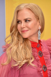 Nicole Kidman accessorized with a stunner of an earring!