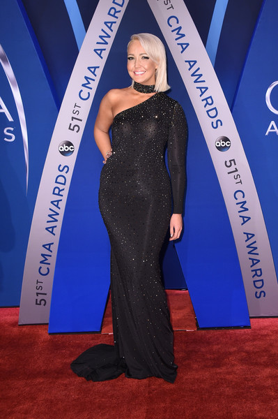 Meghan Linsey looked glam in a sparkly black one-shoulder gown for the 2017 CMA Awards.