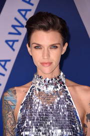 Ruby Rose wore her signature short hair with a pompadour top at the 2017 CMA Awards.