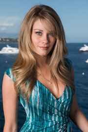Kim Matula had her luscious locks down at the portrait session of 52nd Monte Carlo TV Festival.
